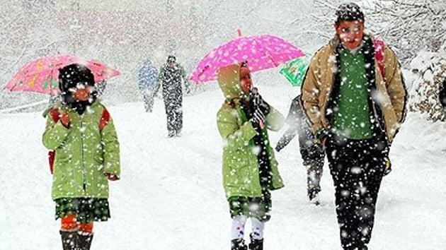 Kar yağışından dolayı 27 ilde okullar tatil edildi