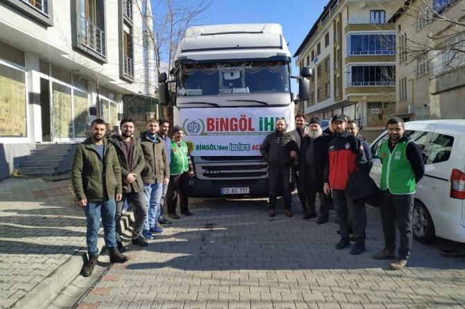 Bingöl'de Suriye'ye 3 Tır yardım malzemesi toplandı